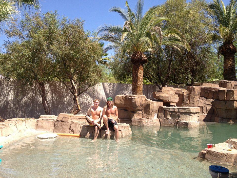 Villan pool