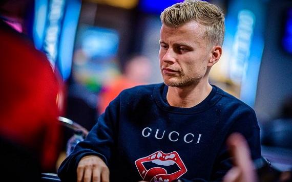 Jens Kyllönen, pokerinpelaaja joka ei tarvitse aloittelijan opasta.