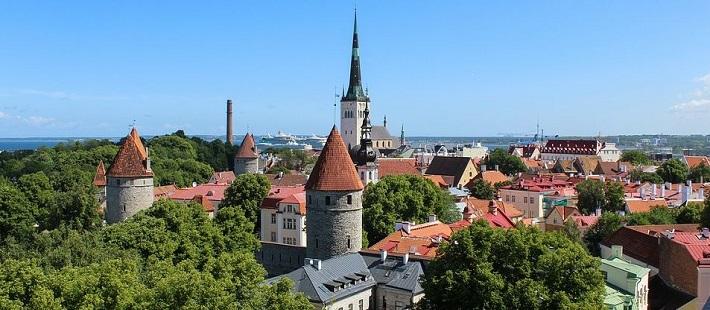 Erilainen Matkaopas Tallinnaan vie salaisiin nähtävyyksiin, joita tavallinen turisti ei löydä.